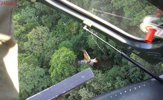 Avião cai entre Santa Catarina e Paraná na manhã desta quinta