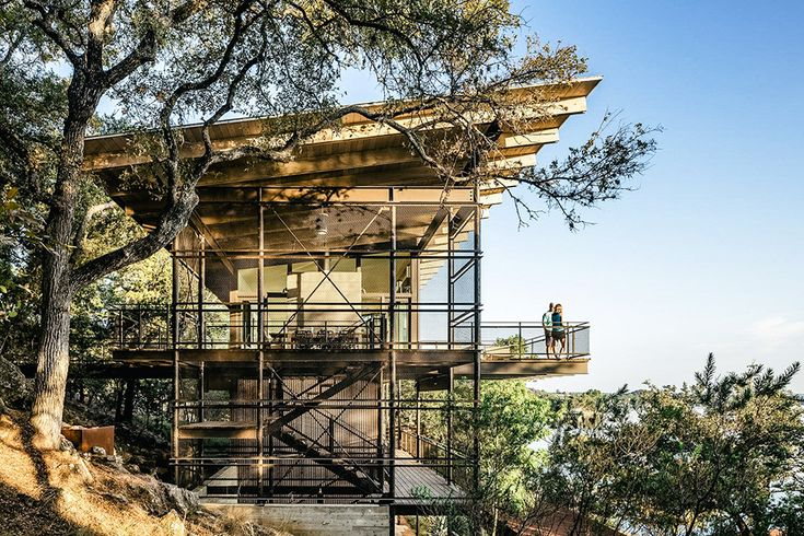 Rising above the tree line, the Blue Lake Retreat is a modern treehouse in Marble Falls, Texas. The three-story metal structure ascends vertically to accomodate its steep plot. Designed to create unspoiled views of the surrounding landscapes, the main living...