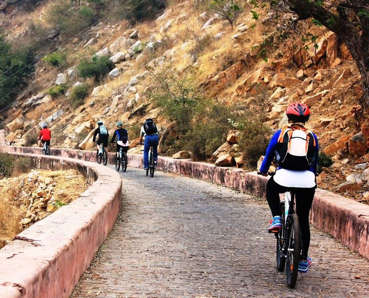 Kick start your day with this healthy Cycling Tour in Jaipur leaving the city behind paddling though Aravali hills; city's refreshing country side upto the Nahargarh fort to catch the breathtaking views. On this short half day ride on bike keep meandering through the charming streets of Pink City, past iconic monuments Hawa Mahal & Jal Mahal of Jaipur. On this thrilling tour we touch some of the most famous landmarks of the city.