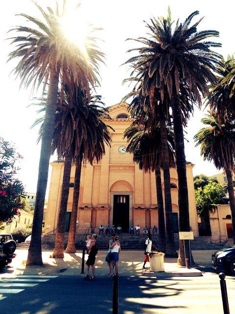 Depuis le 27 Juin nous sommes donc installée en Corse àl'ÎleRousse au local de l'EPIR (Ecole de Plongée d'Île Rousse) où travaille mo...