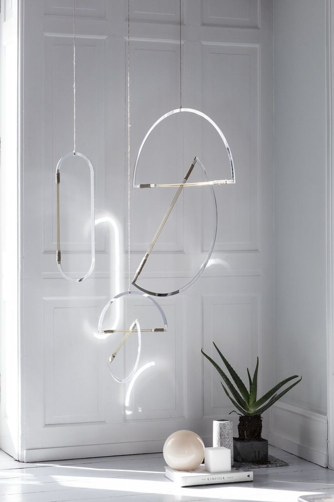 Mirror mobiles // Elkeland visual Studio // 80s interior inspiration // geometry // geometric shapes // green plants