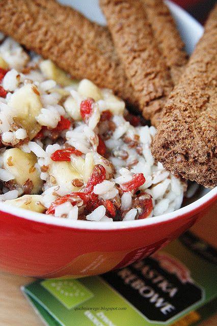 QuchniaWege: Ryż z bananami i jagodami goji
