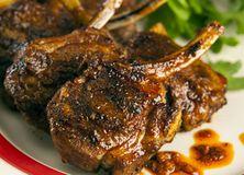 #Grillade de côtes d'agneau marinées à la charmoula | #Socopa. #Grill, #BBQ.