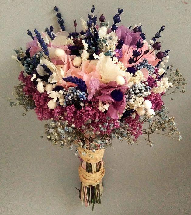 Ramo de novia con rosa, lila y azul - hecho a mano en DaWanda.es