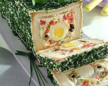 Receita de torta sanduíche de pão com recheio de ovo   Receitas Supreme