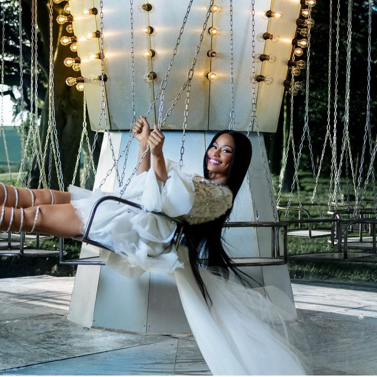 Nicki Minaj is the New Face of H&M's Campaign - EBONY