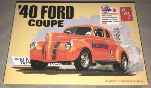 AMT 1940 Ford Coupe 1:25 scale 3 in 1 model car kit 1141