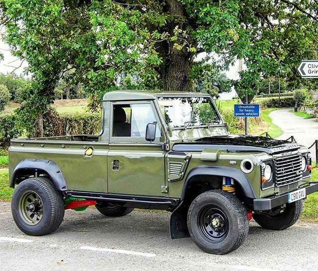 FOLLOW@landgeneration a new group of a land rover owners #defender110 # defender #