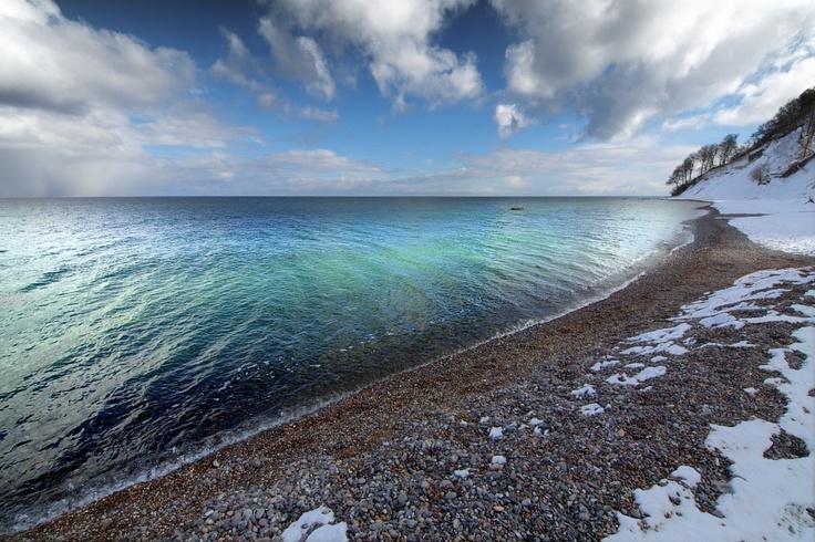 shiny water  By: Dirk Juergensen