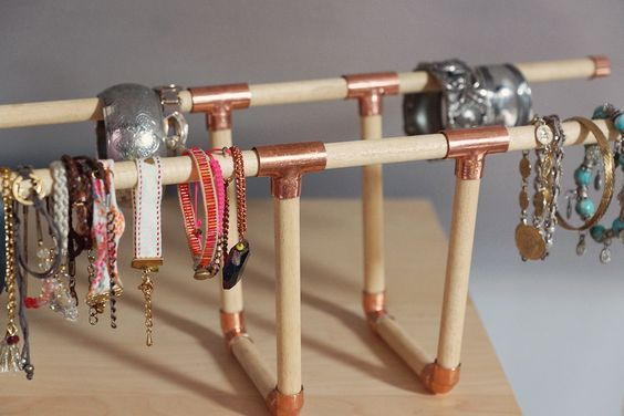 DIY porte bracelets en cuivre et bois. Accessoire deco et pratique!