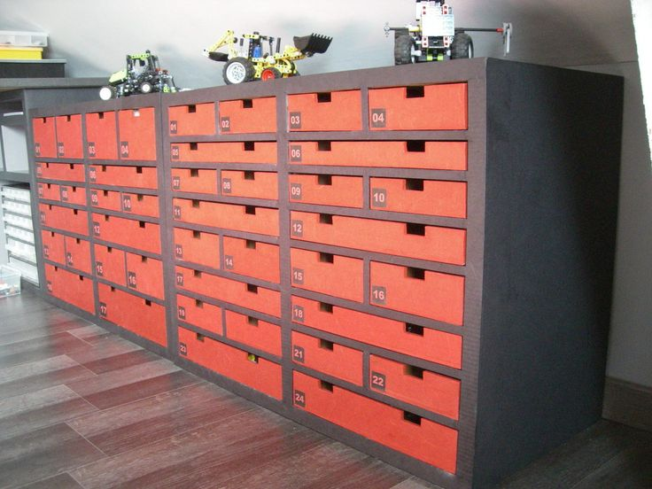 Meubles à multiples tiroirs en carton