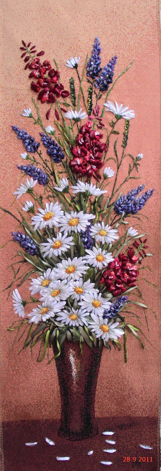 """I ❤ ribbon embroidery . . . (translated)Framework """"Wildflowers"""", made technical Silk ribbon embroidery on the tapestry Embroidery and handmade, with ribbons of silk, satin and organza . . . measuring 98x44 cm."""