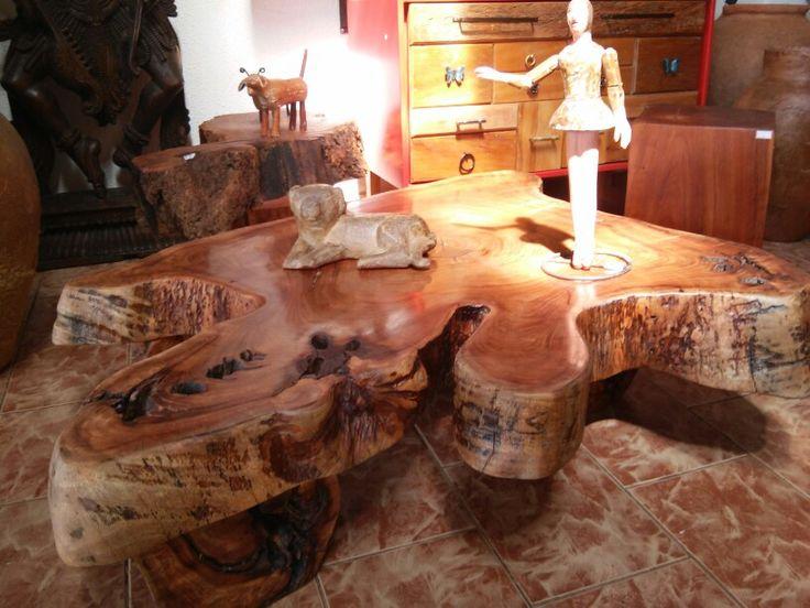 Mesa de centro de madeira recuoerada