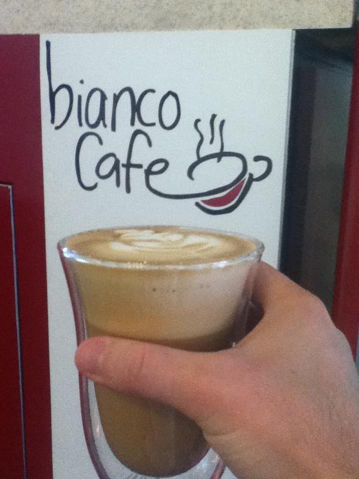 se te antoja un cappuccino ven y disfrutalo en bianco caf de paso