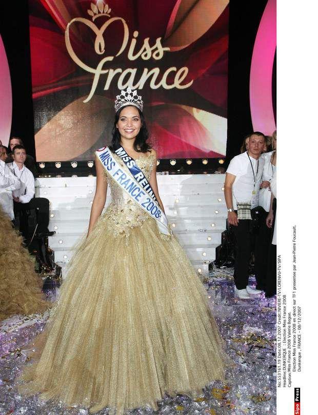 Miss France 2008, Valérie BègueValérie Bègue ou La Scandaleuse. Ses photos jugées indécentes par Geneviève De Fontenay ne l'ont pas empêchée de conserver son titre grâce au soutien du public,ni même de s'essayer au théâtre en 2010 dans une pièce de Jérémy Lorca. En 2013, elle a épousé le nageur Camille Lacourt avec qui elle a eu une petite fille qu'ils ont appelée Jazz.