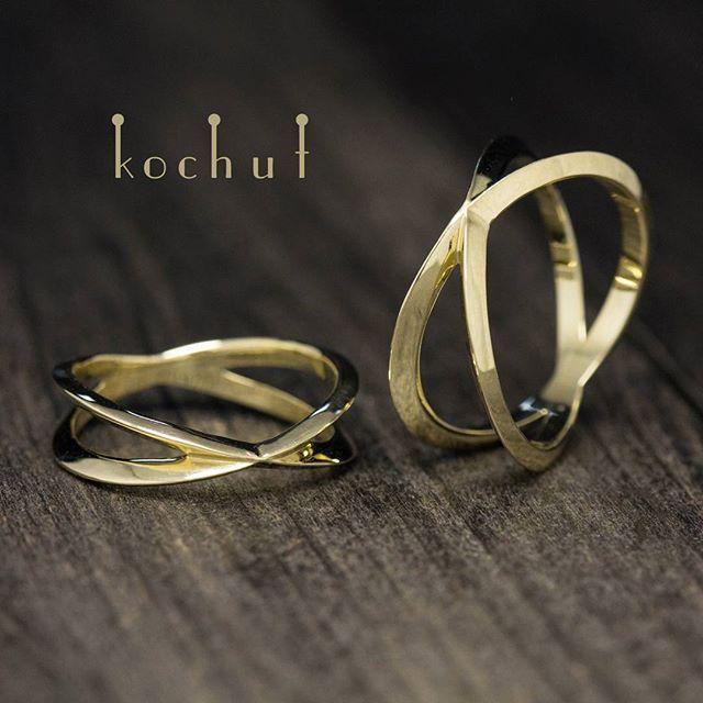 """Обручальные кольца """"Точка соприкосновения"""". #kochut #rings #ring #wedding_rings #gold #unusual_jewelry #jewelry #кольца #кольцо #обручальные_кольца #золото #свадебные_кольца #необычные_украшения #украшения #драгоценности #обручки #каблучки #каблучка #весілля #весільні_каблучки #прикраси #незвичні_прикраси"""