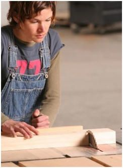 Free Woodwork Guides - Woodworking is a great hobby, craft or small business. Get started with these free, do it yourself tutorials.