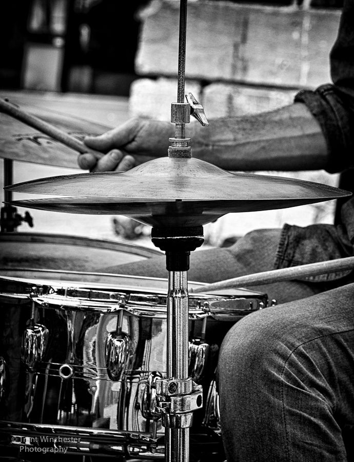 Black and white close up of a DRUMMER DRUMMING cSw:) - https://www.pinterest.com/claxtonw/drummer-drumming/ - MOST POPULAR RE-PINS. Really nice drums photo pinned via Edith Martin's nice BODY & SOUL Pinterest Board.