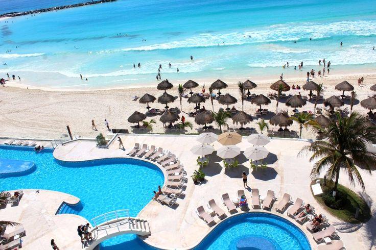 Está em dúvida de onde ficar em Cancún? Veja esse review de como foi nossa hospedagem no Krystal Hotel e Resorts com vista para o mar do Caribe!