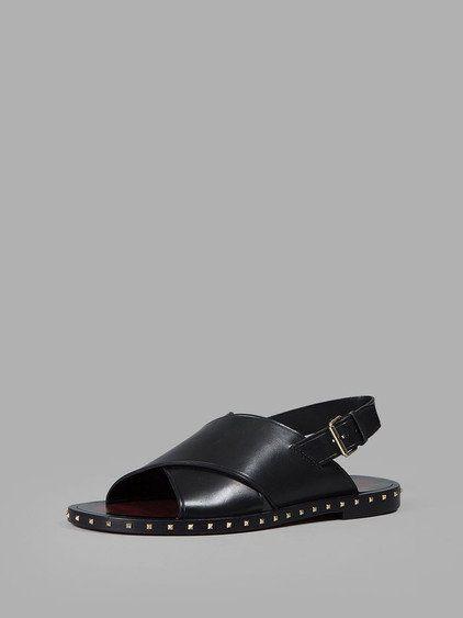 VALENTINO VALENTINO MEN'S BLACK SANDALS. #valentino #shoes #sandals
