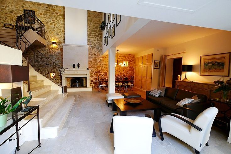 Charming renovation in Uzes!  Lovely tradition stone house in the heart of the community. Only £485,050    Lovely courtyard garden, pool and double garage.  #Uzes #fullyrenovated #retirement #holidayhome #expat
