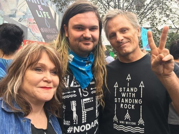"Viggo and family "" I stand with Standing Rock"" tee shirt.."