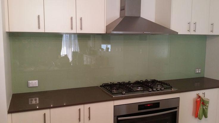Best 25 stainless steel kitchen splashbacks ideas on for Cheap kitchen splashback ideas