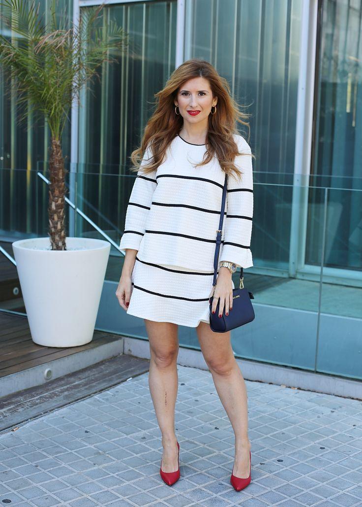 Casual Look. Chic Look. A trendy life. #casual #chic #stripesset #conjuntorayas #stilettosrojos #michaelkors #outfit #fashionblogger #atrendylife www.atrendylifestyle.com