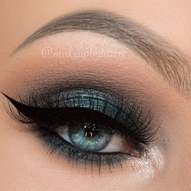 @makeupbytaren uses Makeup Geek eyeshadows in:  Peach Smoothie (transition)  Stealth (crease)  Corrupt (crease)  Houdini (lid)  Poolside (lid)
