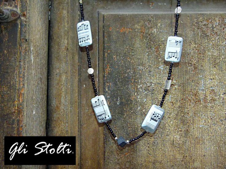 """Collana in legno dipinta e decorata con spartiti musicali originali """"Konstanze"""". Gli Stolti Original Design  http://gli-stolti.blogspot.it/2014/02/collana-con-spartiti-musicali-konstanze.html  #moda #design #artigianato #madeinitaly #shopping #roma #bijoux #musica #mozart"""