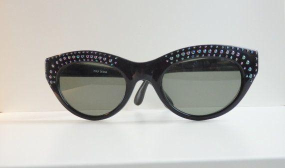Vintage 1950's cat eye, sunglasses black plastic frames glass lenses sun glasses womens mid century