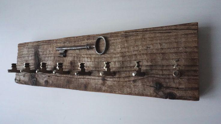 SchlüsselBrett+aus+Treibholz+von+MarkeEigenBau+auf+DaWanda.com