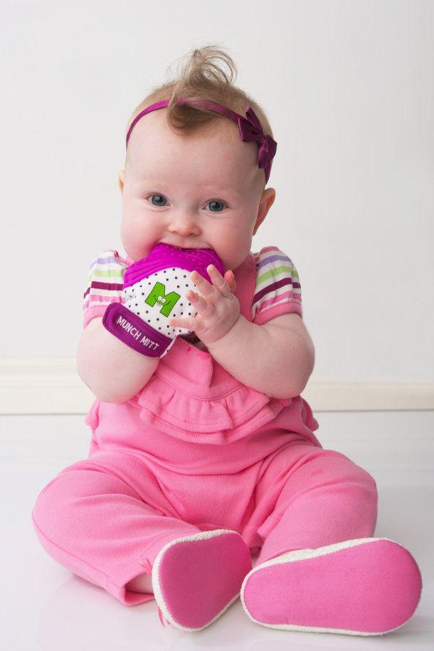 Munch Mitt – Baby Teething Glove