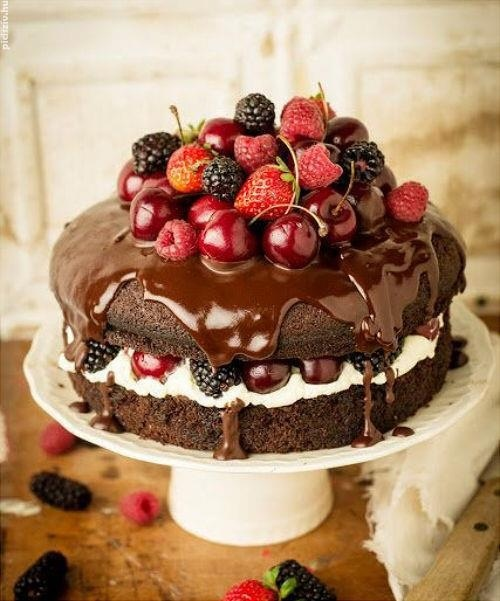 Cake With Fruits On Top : No frosting red fruits and chocolate cake You are what ...