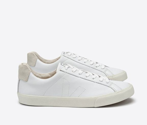 VEJA - Women's extra white leather sneakers. Made in Brazil.
