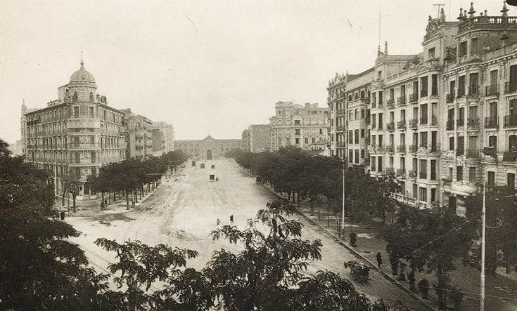hacia 1931, av. de felipe II, al fondo, la antigua plaza de toros de madrid