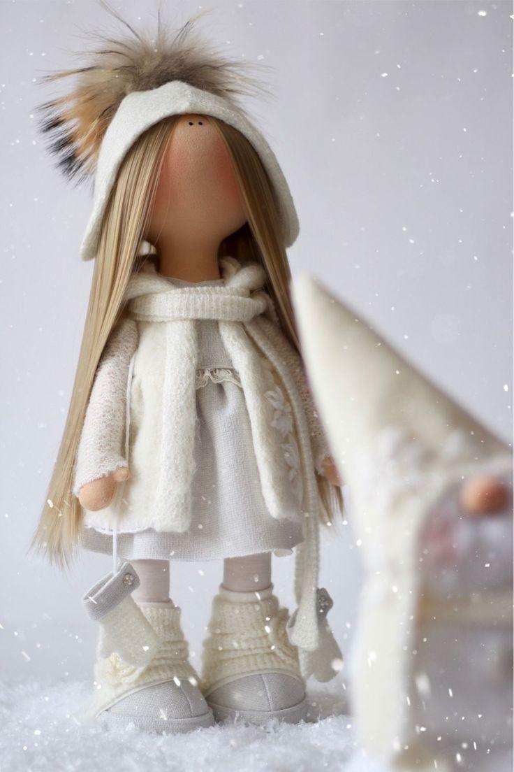 Купить или заказать Эльза и Олаф в интернет магазине на Ярмарке Мастеров. С доставкой по России и СНГ. Материалы: хлопок, трикотаж, трикотаж белый…. Размер: Рост куклы 45 см, снеговик 32 см