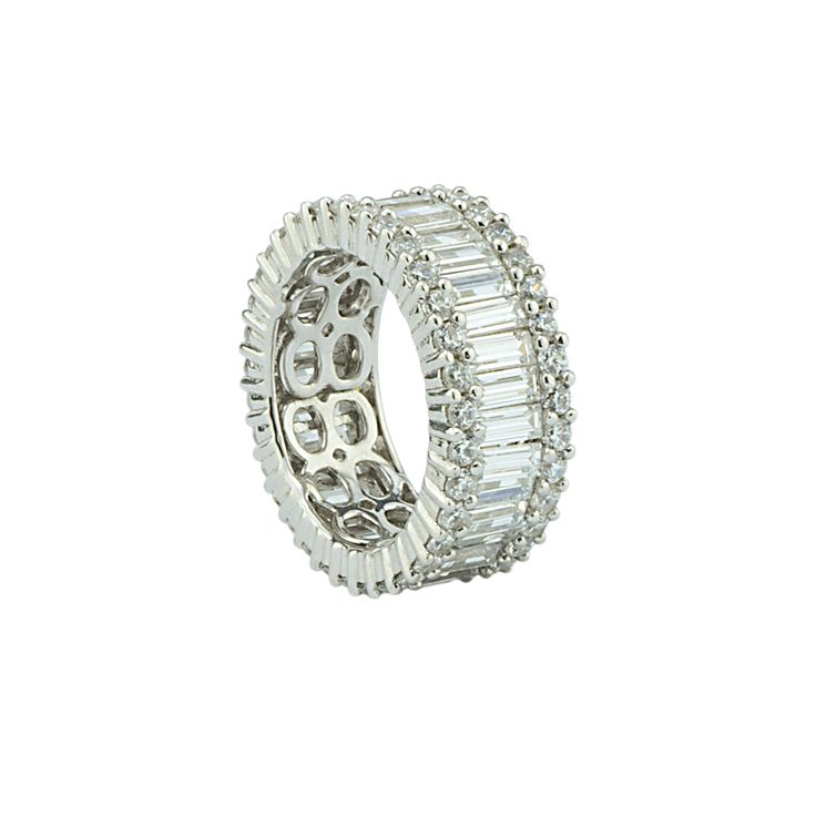 Baguette eternity band crafted to perfection! 💖💖💖