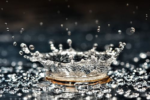 High speed photography. Water splash I can see where the inspiration for a crown came from, but way more beautiful as it really is