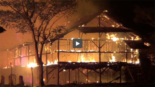 Covesia.com - Kandang ayam potong seluas hampir 500 meter persegi di Perupuk Tabing Kecamatan Koto Tangah Kota Padang Sumatera Barat, ludes dilalap sijago merah pada Sabtu malam. Tidak diketahui penyebab pasti kebakaran. Petugas pemadam kebakaran tiba di lokasi sekira pukul 22.30 WIB, telah mendapati kandang ayam tersebut nyaris ludes dilalap api. Api sangat mudah merambat lantaran seluruh kandang berbahan kayu dan ditambah tiupan angin cukup kencang. Tujuh unit mobil pemadam yang dikerahkan…