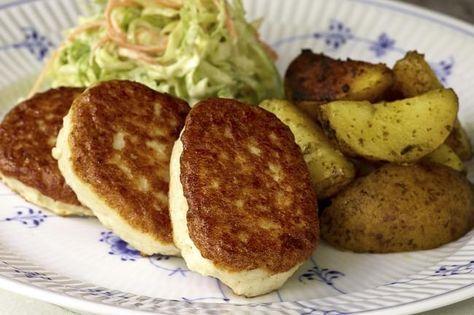 Fiskekaker med marinerte poteter og råkostsalat