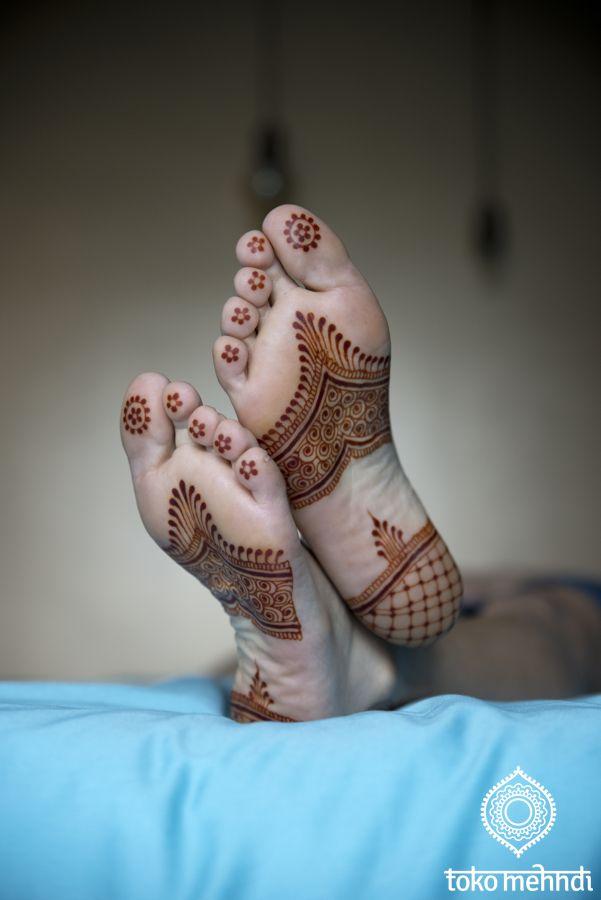 Happy henna feet! || Toko Mehndi || FotoLoet