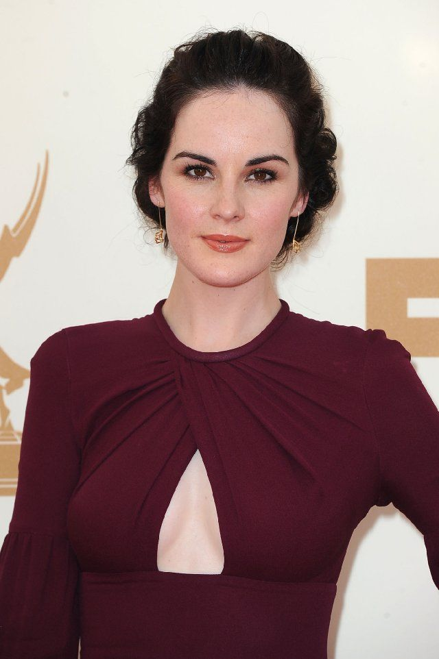 Michelle Dockery - Pictures, Photos  Images - IMDb Love the color of that dress!