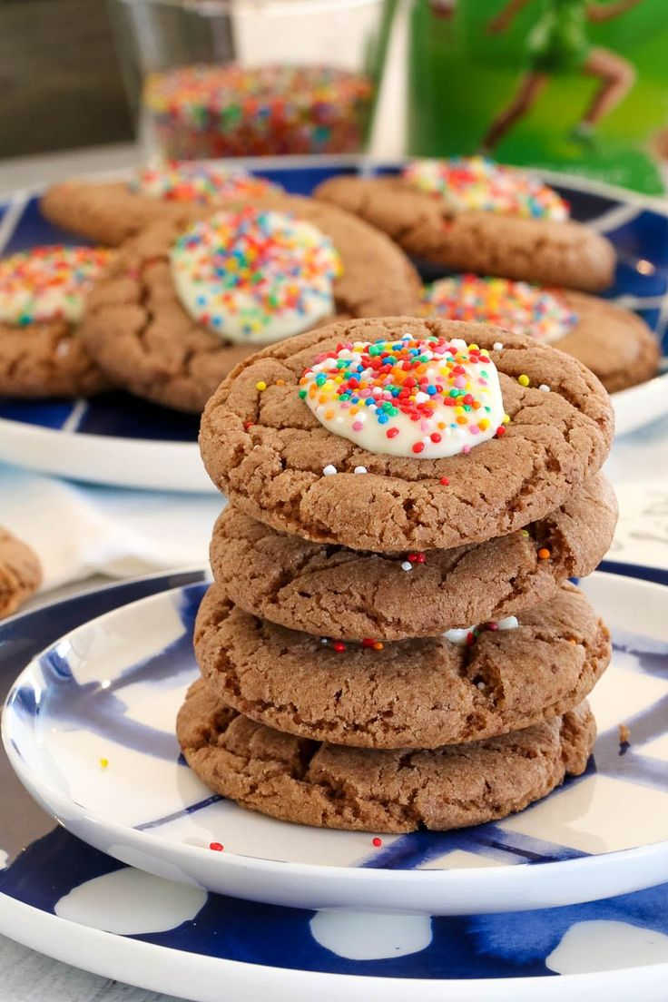 These Milo Biscuits are an all-time Australian favourite! Made from just 5 basic ingredients, thesequick and easy biscuits are sure to be a hit with the entire family.  #family #milo #biscuits #baking #lunchbox #chocolate #thermomix #treat #yum #kids #kidsbaking #cookies