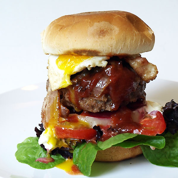 Aussie Burger - Do you have a HUGE appetite? If yes, this is the ...