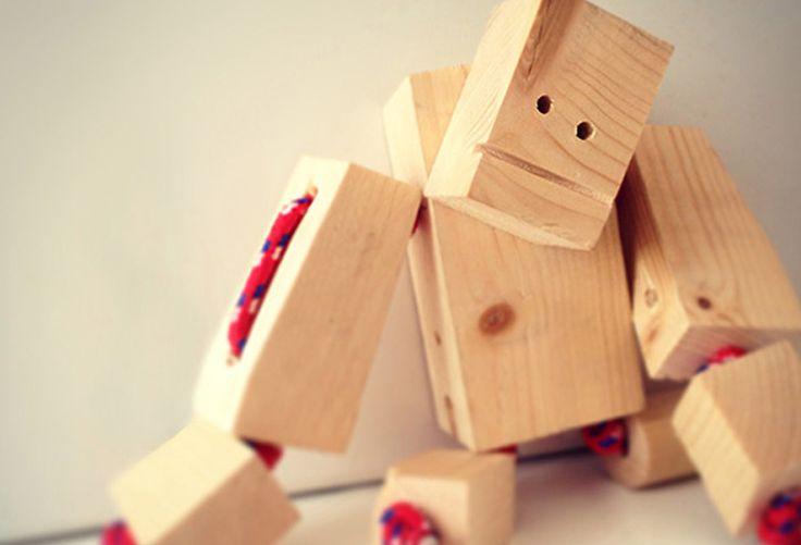 Woodbot - Spielzeugroboter