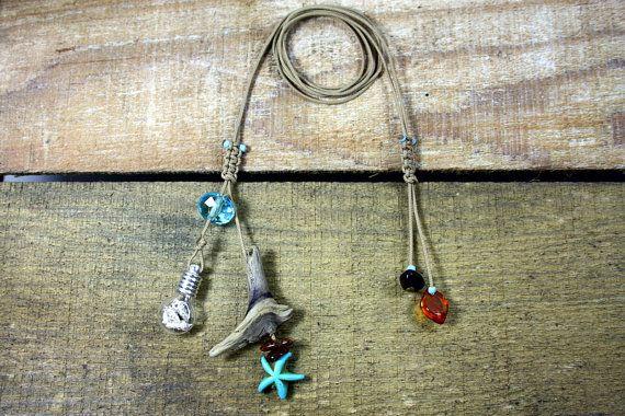 collana di conchiglie gioielli shell pendente in vetro di di Yalos