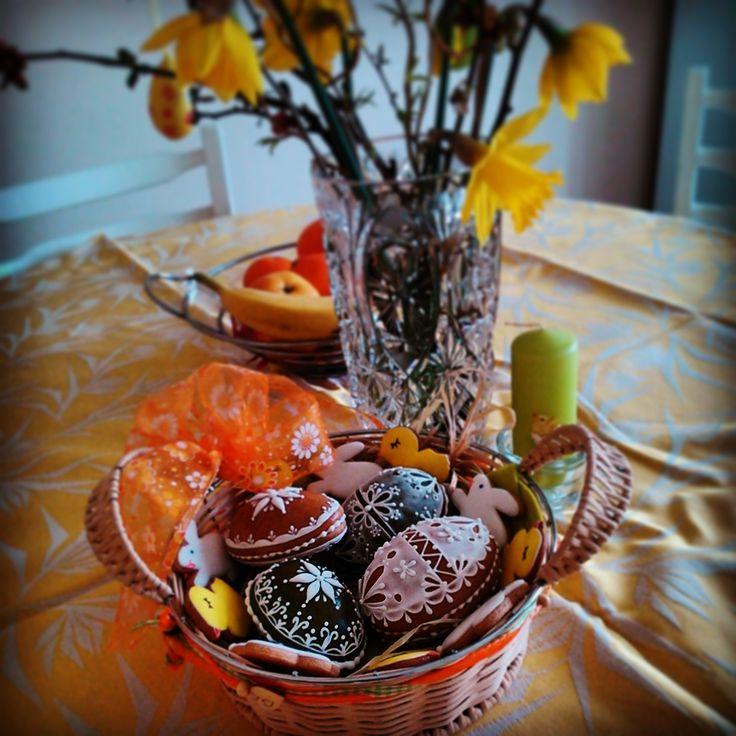Easter Honiees decoration. Velikonoční dekorace z perníčkových vajíček. #easter