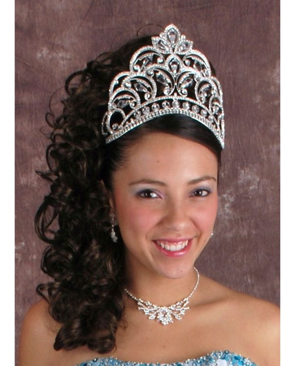 Quinceanera Hairstyles For Long Hair With Curls And Tiara : Quinceanera Tiara Quinceanera Hairstyles Pinterest Quinceanera ...