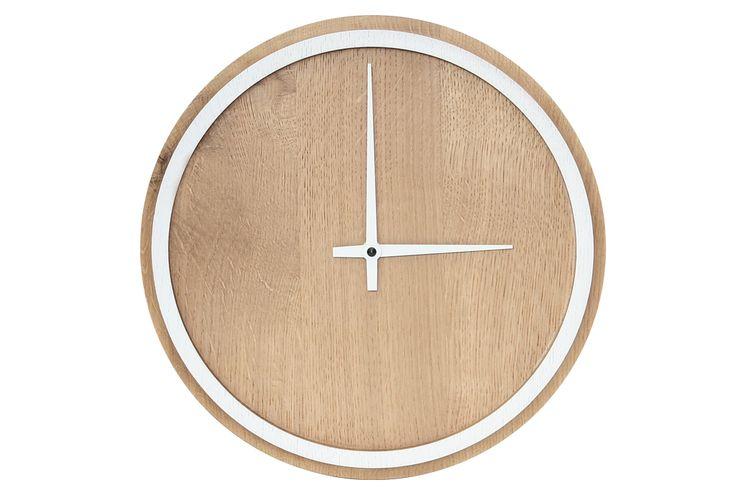 """Minimalismo rigoroso, geometria chiara e colori freschi - queste sono le caratteristiche dell'orologio da muro in legno """"Madera"""""""